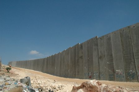 0992_wiki_Justin_McIntosh._Israeli_West_Bank_Barrier.jpg